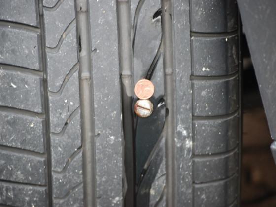 Schussschraube im Reifen